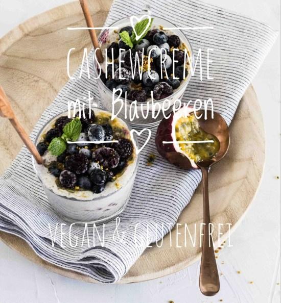 Vegane Vanillecreme aus Cashews mit Blaubeeren