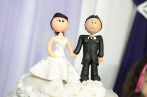 wedding-cake-toppers-115556_640