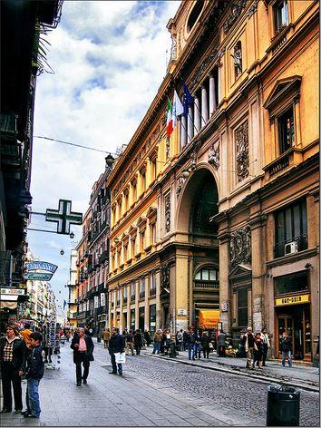 Hotel centrale vicino a via Toledo e via Roma a Napoli