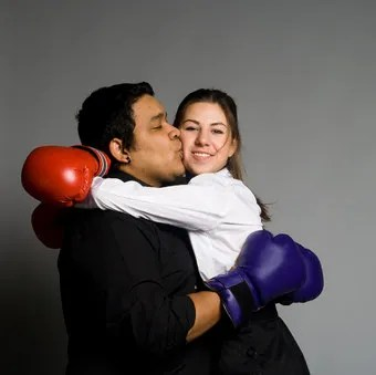Making up after a fight © 2pizza   Dreamstime.com