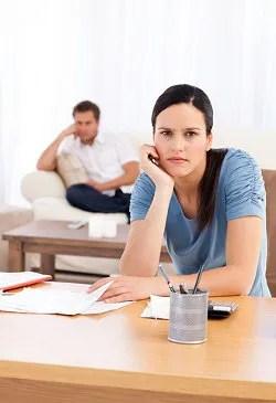 Couple upset over finances © Wavebreakmedia Ltd | Dreamstime.com