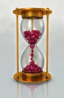 Hour glass full of hearts © freedigitalphotos.net