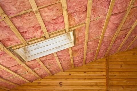 fibreglass insulation © Travelling-light | Dreamstime.com
