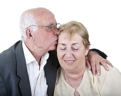 Man comforting wife © Alvera | Dreamstime.com