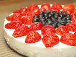No Bake Pineapple & Berry Cheese Cake