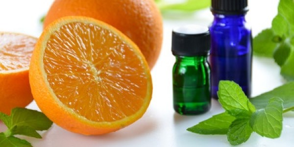image of orange and mint essential oils