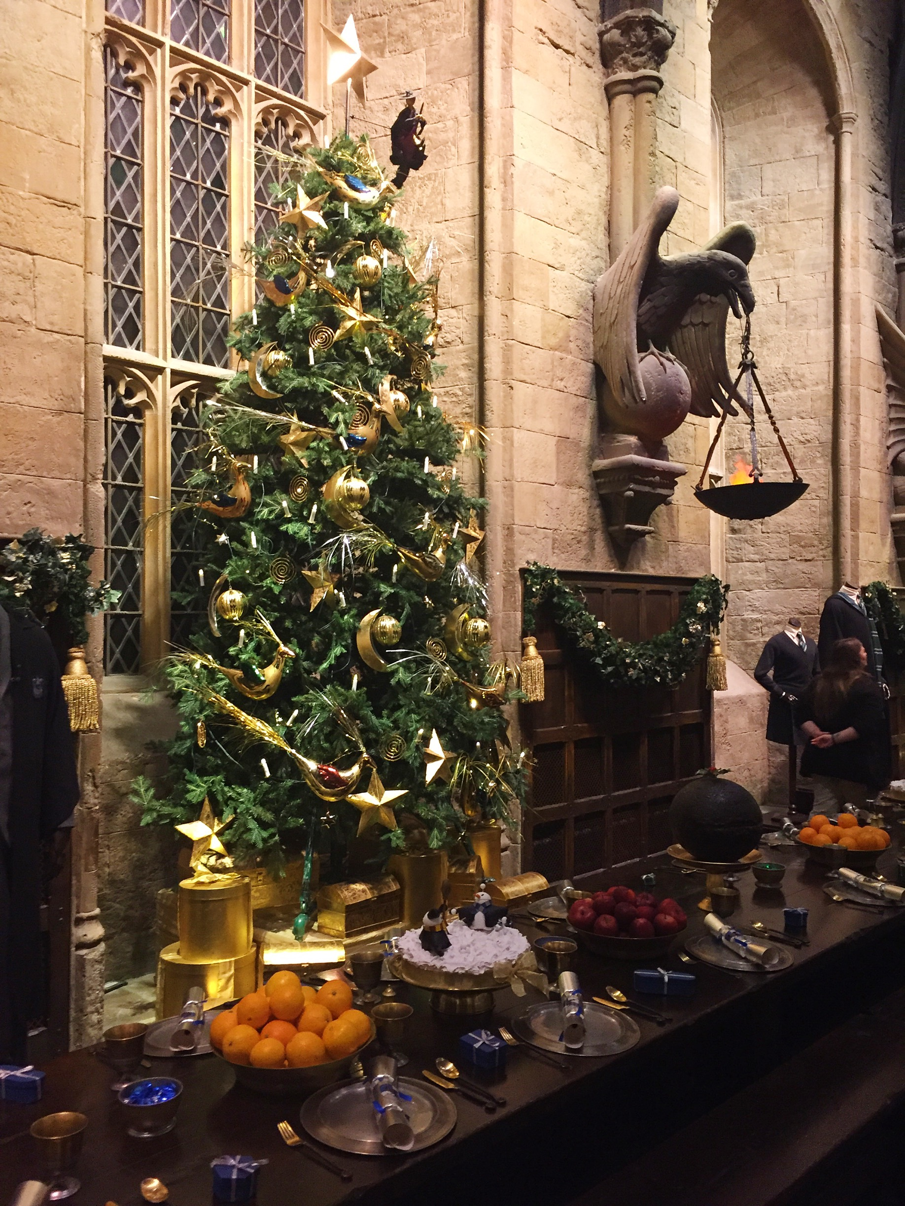 Leaky Visits HOGWARTS IN THE SNOW Exclusive Event At