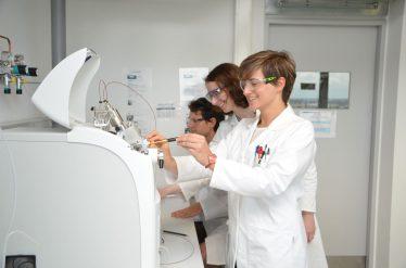 Francesca Mandrelli in laboratorio