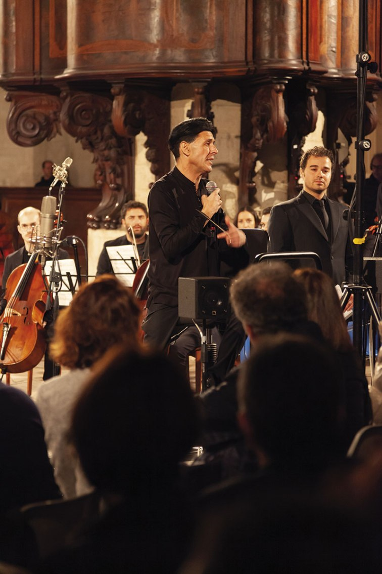 Ezio Bosso dialoga con il pubblico presente al concerto a Todi