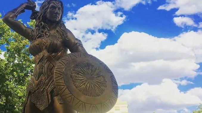 The Wonder Woman statue in Madrid