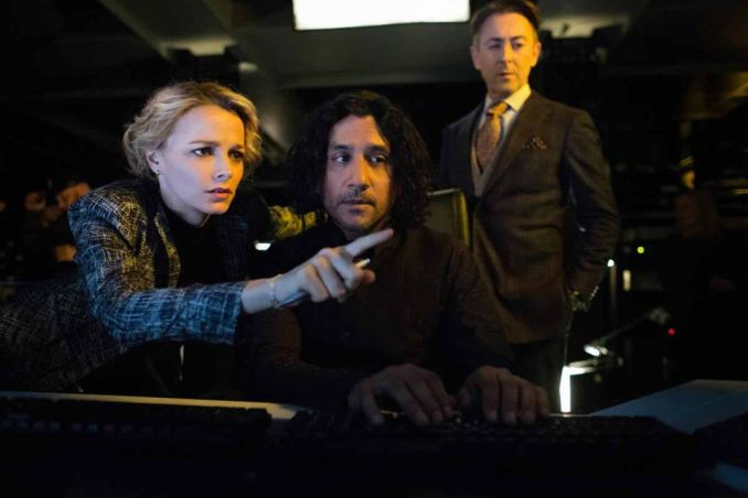 Alan Cumming, Naveen Andrews and Bojana Novakovic in CBS's Instinct