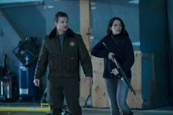 Steve Zahn and Natalie Martinez in The Crossing
