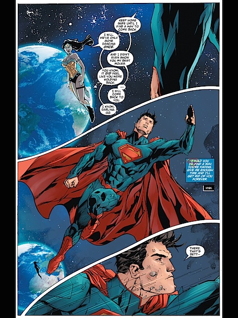 Superman and Wonder Woman talk couply things