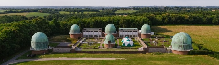 A observatory with 6 telescopes