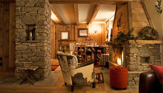 Au Coeur des Neiges in Courmayeur. Also bookable by The-Ski-Guru TRAVEL. How not being scammed when contracting your ski chalet holiday.