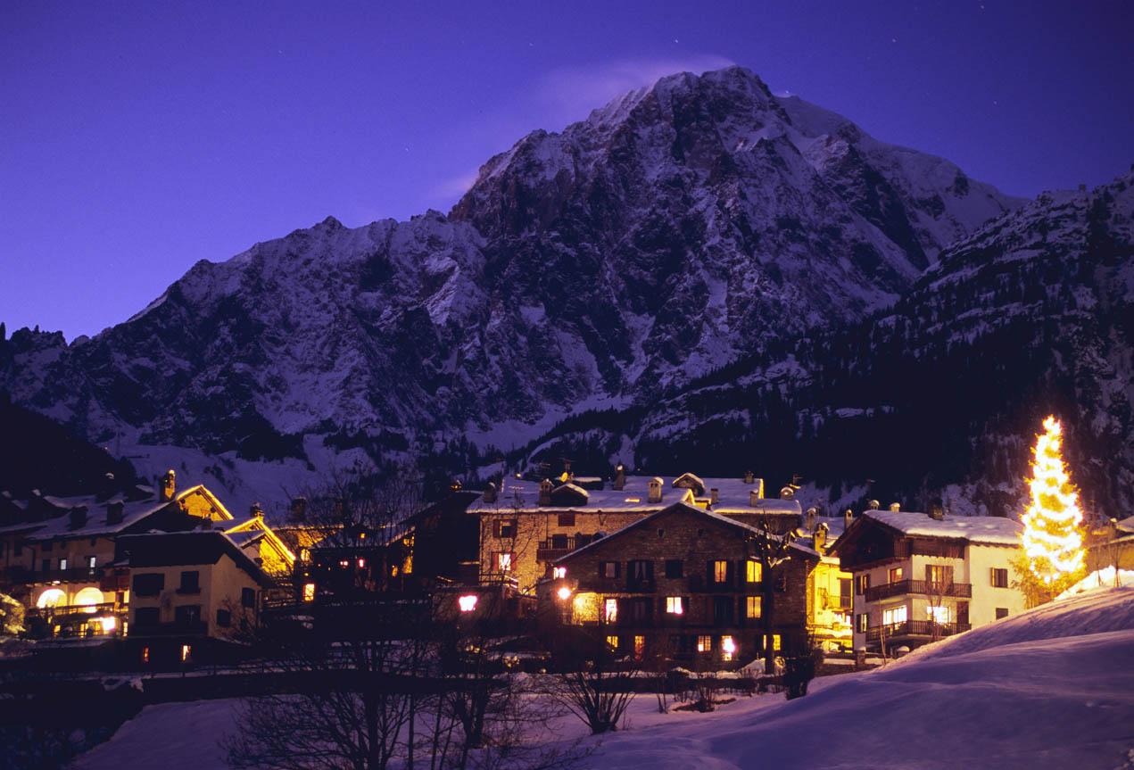 Mont Blanc at night - Courmayeur Mont Blanc.