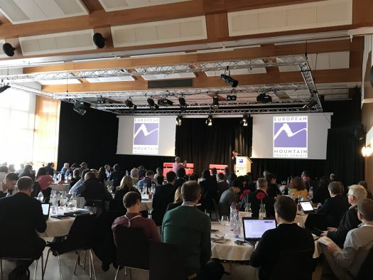 EMTS took place at the Centre de Congrés Le Régent in Crans-Montana, Switzerland. Amin Momen from Momentum Ski presented the morning sessions.
