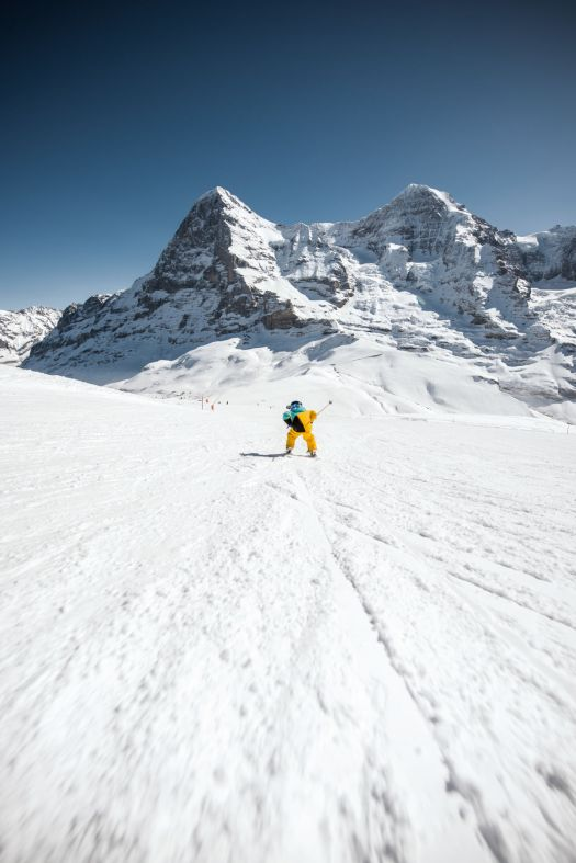 Kleine Schneidegg Kinder Eiger Mönch. Photo: Jungfrau Region. Over 1 Million Skier Visits for the Jungfrau Ski Region