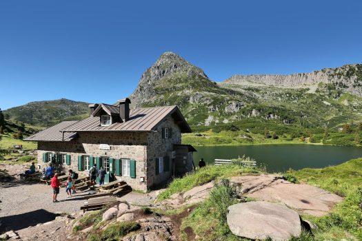 Lagorai - Passo Rolle - Rifugio Laghi di Colbricon. Fototeca Trentino Sviluppo S.p.A. - FOTO DI Arturo Cuel.