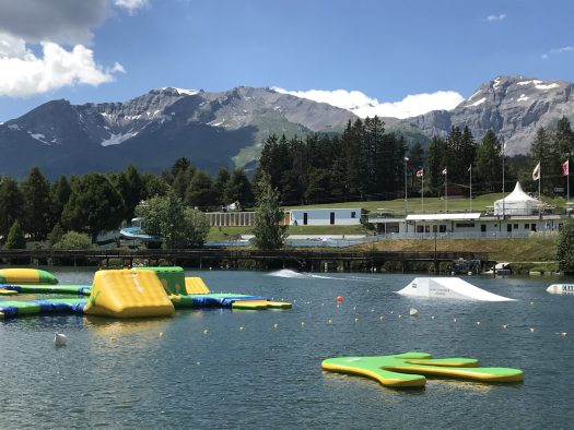 The lake and the beach in Crans-Montana during the summer season - Ètang Long. Photo: The-Ski-Guru.