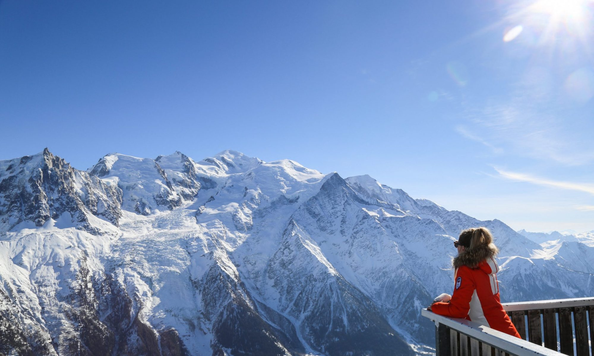 Le Brevent in Chamonix - ski with the views to the Mont Blanc. OT Vallée de Chamonix - Photo by Salome Abrial. What's new in Chamonix for the 2018-19-ski season.