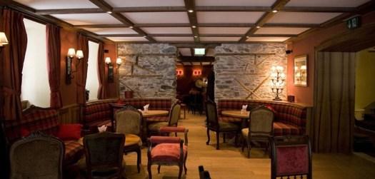 Monte Rosa's Lounge.