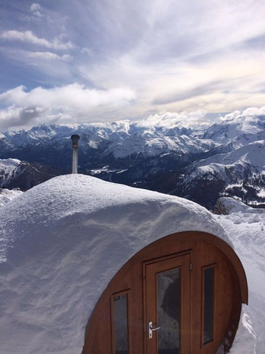 Rifugio Lagazuoi. A special place in paradise. View of the sauna with a view. Photo: Cortina Marketing. What's new in Cortina for the 2019-2020 Winter Season.
