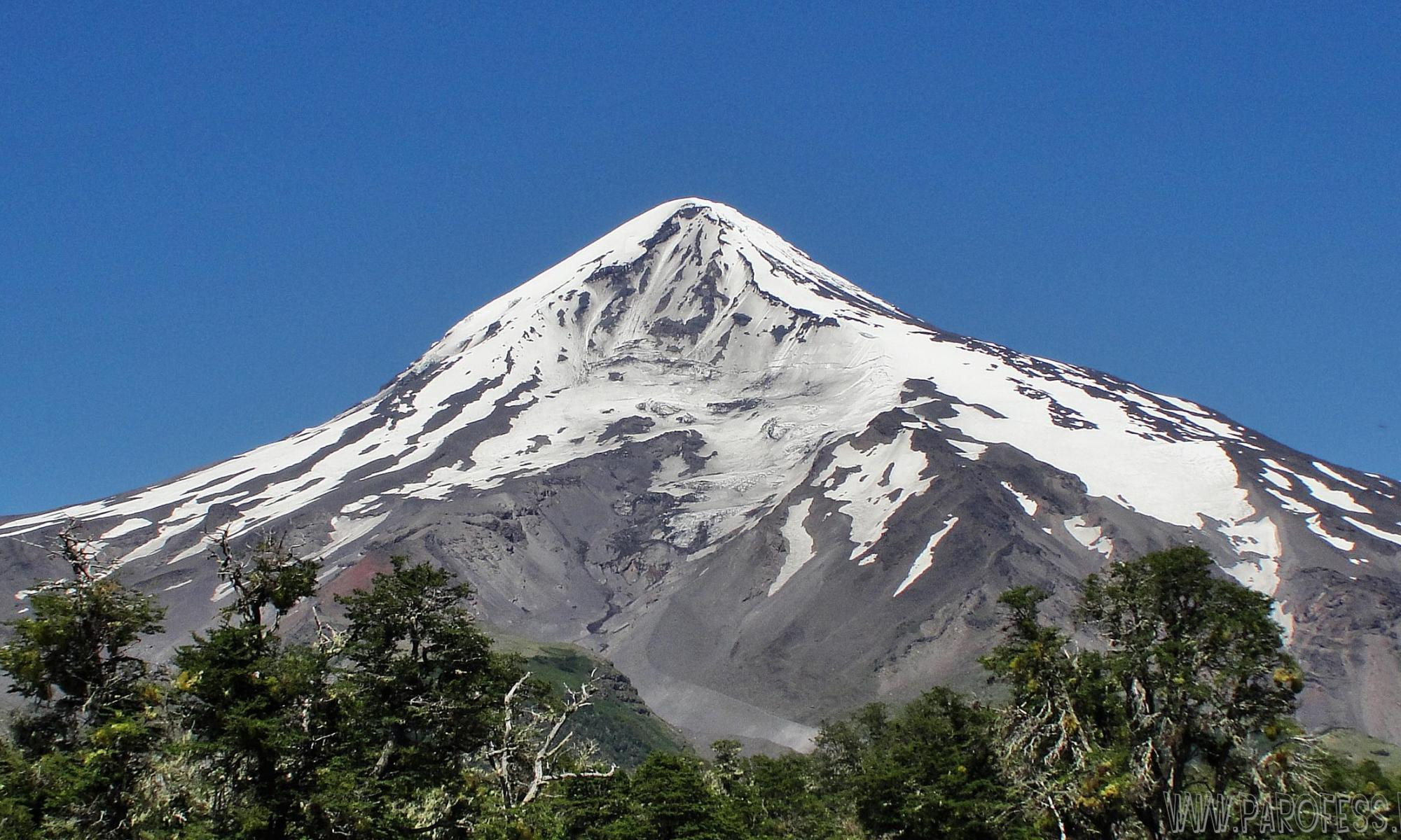 Lanin Volcano - Neuquen, Argentina. The climber who had fallen in a crack of the Lanín volcano died.