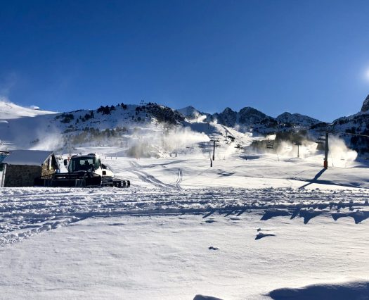 A piste basher is preparing the runs at the Grau Roig sector of Grandvalira. Photo Grandvalira. Grandvalira kick-starts the season this Saturday 1st of December with the partial opening of the Pas de la Casa and Grau Roig sectors.