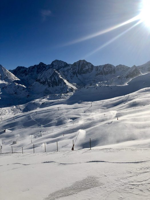 Sector Pas de la Casa. Grandvalira kick-starts the season this Saturday 1st of December with the partial opening of the Pas de la Casa and Grau Roig sectors.