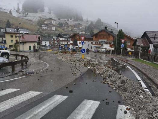 Arabba after the storm. Gales and tide surges wreak havoc in all of Italy, killing at least 10. What is the situation in Trentino Alto Adige and Belluno.