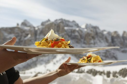 Fun and recreation are part and parcel of a winter holiday in the Gardena Pass, where you can enjoy sumptuous culinary specialties on the wide, sunny terraces at the mountain shelters and Alpine huts. Season Opening's at the different ski resorts of Sudtirol and Christmas Markets.