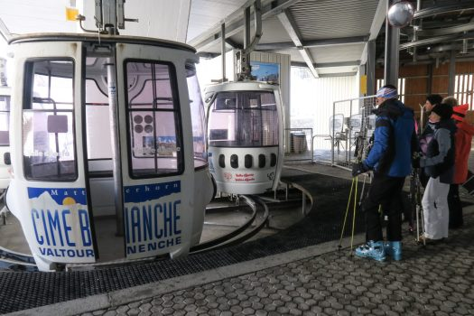 Cable car Valtournenche - Photo Enrico Romanzi. Cervino Ski Paradise. Spot on Cervino Ski Paradise for the 2018-19 ski season.