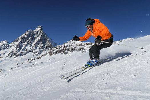 Skier with the Monte Cervino in the background. Photo Enrico Romanzi. Breuil-Cervinia: chairlift failure: 27 skiers recovered by helicopter.