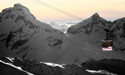 Winter in Les 2 Alpes. Photo: Bruno Longo. Les 2 Alpes. What is New at Les 2 Alpes this season.