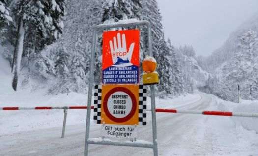 Three German Skiers got killed in an Avalanche near the Austrian resort of Lech, fourth is missing. Photo: Reuters.