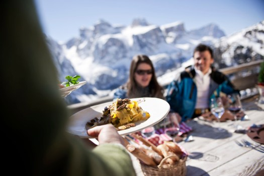 Homemade tagliatelle in the Dolomites! The Alta Badia ski area is known for its gastronomy and culinary offer. The-Ski-Guru Travel takes you to a Long Ski Safari in the Dolomites.