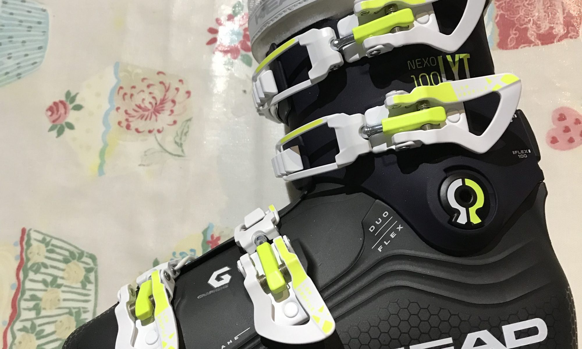 Review on the Head Nexo Lyt 100 W G Ski Boots 2019