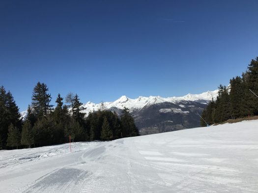 Just down the piste number 3, is a quiet plateau - I love those tree runs as they are always empty! At that moment I did not realise that I was not going to be able to go there anymore! Photo: The-Ski-Guru. The Half Term Family Ski Holiday that did not result as planned.