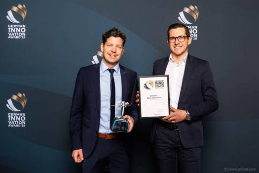 """Leitner Ropeways has won an award for special technical feature on the """"Matterhorn Glacier Ride"""". German innovation award for Zermatt 3s cabins."""