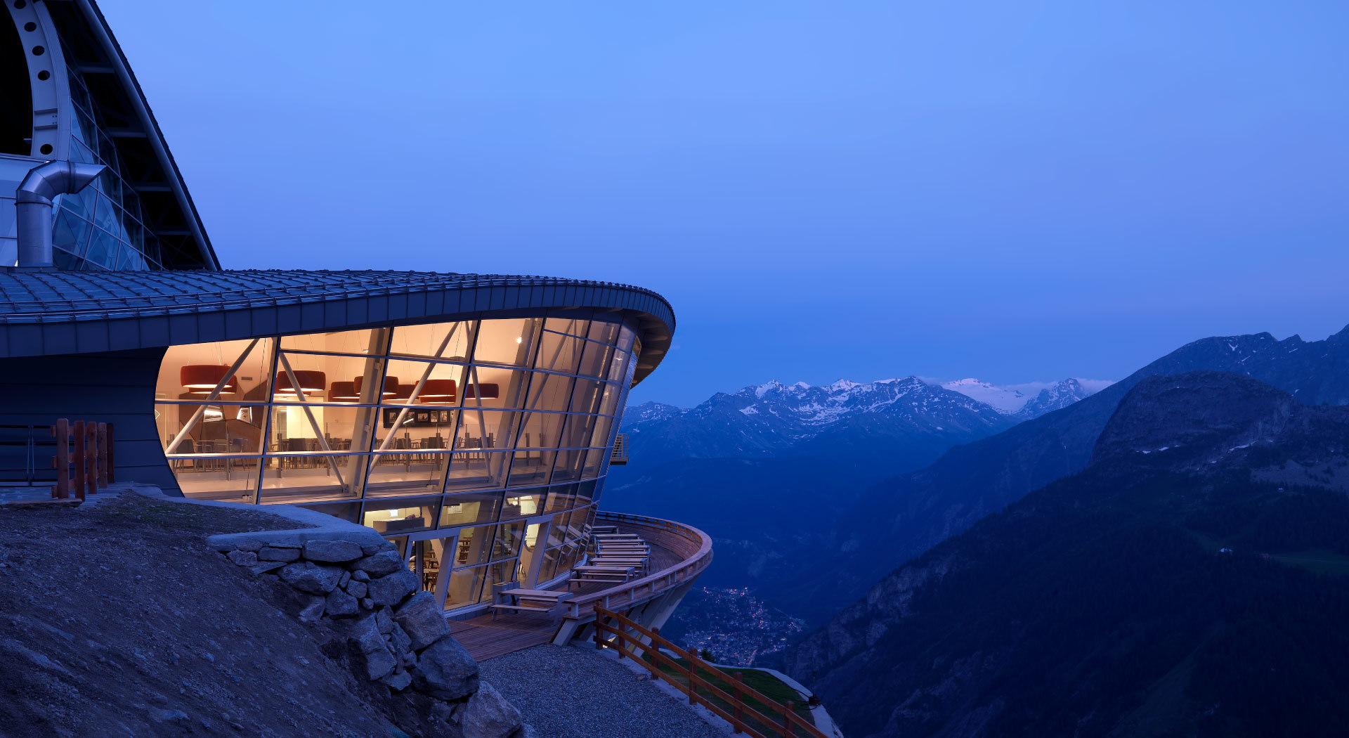 Skyway Monte Bianco, Punta Helbronner, Courmayeur. A Feltrinelli bookshop at an altitude of 3466: Europe's highest bookshop opens on Mont Blanc.