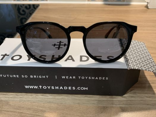 The TOYSHADES Hillwoods model, extremely light and with a lovely design.