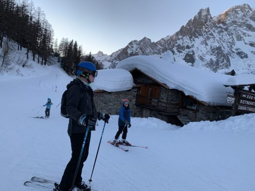 We made it in time to come down with the Val Veny funicular...at certain time I was doubting we were going to get in time! Our Christmas holidays in the mountains with the kids and our dog! Courmayeur, Aosta.