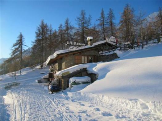 Alpetta Mountain Restaurant. A Foodie Guide to on-Mountain Dining in Courmayeur.