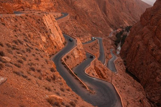 Dades Gorges. Photo: Frida Aguilar. Unsplash. How to have a no-contact drive to your summer holiday.