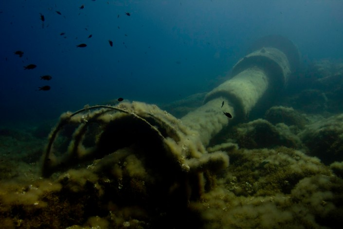An unusual wreck in the east coast of Ibiza. This lighthouse rest 10 mts underwater. Shot with Canon + Ikelite housing
