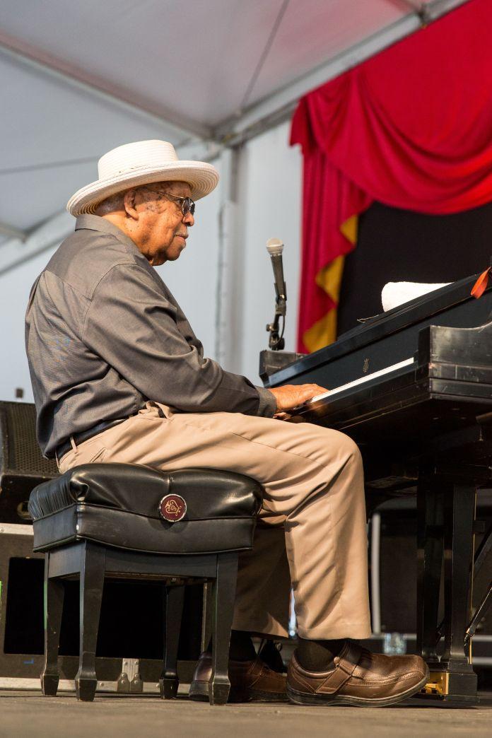 Ellis Marsalis Jr. perfroms at the New Orleans Jazz & Heritage Festival in 2017