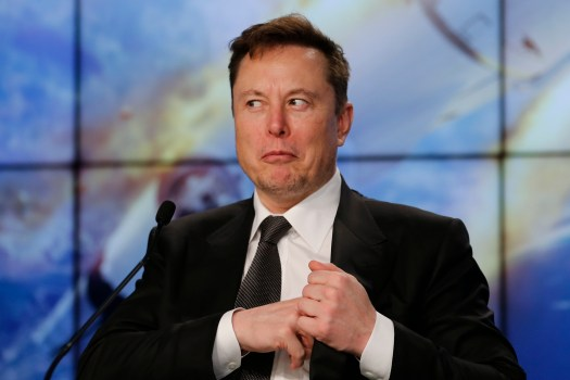 Elon Musk announces he's signing OFF Twitter 'for a while ...