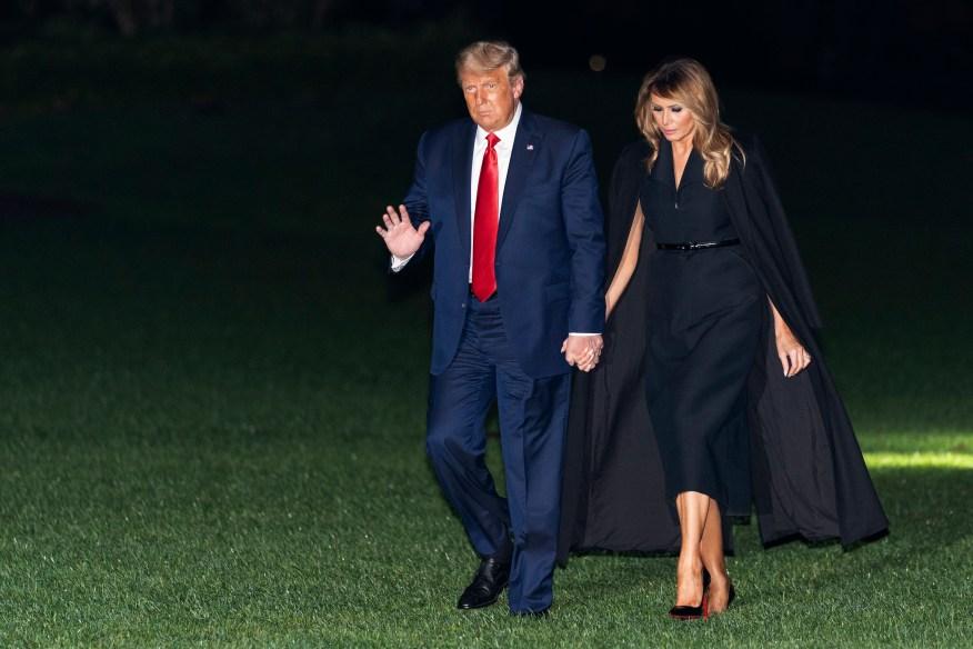 Мелания соглашается с Трампом и говорит, что детей `` привезли койоты '' в США.
