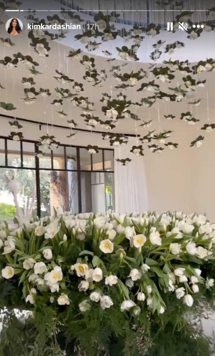 Kim Kardashian gushes over 'the most gorgeous flower ...